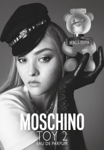 Moschino-Toy-2-Fragrance-Campaign01-680x975